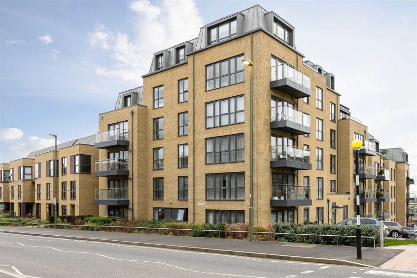 Images for Inglis Way, Mill Hill, London, NW7 EAID:squiresapi BID:2